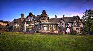 There's A Breathtaking Hotel Tucked Away Inside Of This State Park Near Cleveland