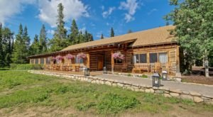 Jenny Lake Lodge In Wyoming Is A Beautiful Restaurant With Scenic Mountain Views