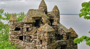 This Small Town In Vermont Is Home To Tiny Hidden Castles