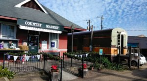 The Ponchatoula Country Market Used To Be A Train Depot And It's Filled Will Endless Treasures