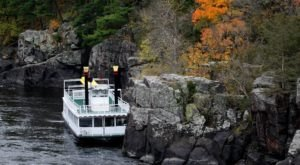 Take A Fall Colors Cruise In Minnesota For A Beautiful And Scenic Autumn Adventure