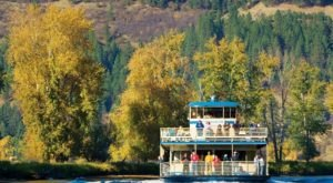Take A Fall Colors Cruise In Idaho For A Beautiful And Scenic Autumn Adventure