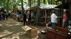 Antiques In The Woods Is A 2-Day Ohio Festival That's A Great Way To Kick Off Fall