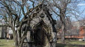 Erie Street Cemetery Is One Of Cleveland's Spookiest Cemeteries