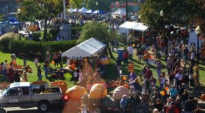 Milford Is A Quirky New Hampshire Town That Transforms Into A Pumpkin Wonderland Every Fall