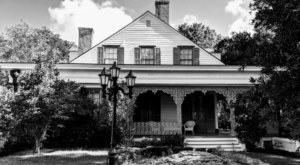 Stay Overnight In The 223-Year-Old Myrtles Plantation, An Allegedly Haunted Spot In Louisiana