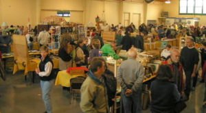 You Could Spend Hours At Picc-A-Dilly, An Awesome Flea Market In Oregon
