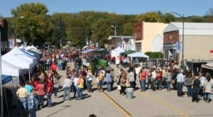 Gather For Delicious Wine And Gorgeous Artwork At Iowa's Vinestock Fall Festival