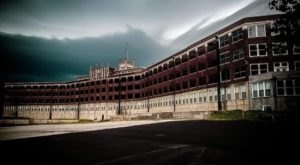Play With The Paranormal At The Real Haunted House At Waverly Hills Sanatorium In Kentucky