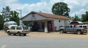 A Quaint Little Country Store In Mississippi, Granny's Corner Serves Some Of The State's Best Burgers