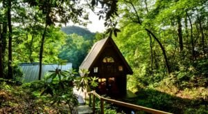 The Tiny Cabin In The Mountains Of Blue Ridge, Georgia Overlooks The Toccoa River