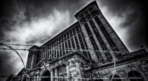Dive Into The Dark Side Of Michigan's History During The Eerie Haunted Detroit Tour