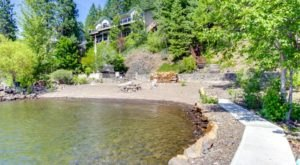 This Private Beachfront Cabin On Lake Coeur d'Alene In Idaho Is A Dreamy Getaway All Year Round
