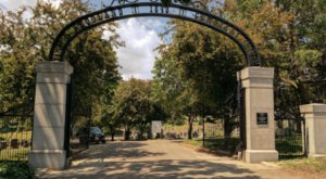 Woodland Cemetery Is One Of Iowa's Spookiest Cemeteries