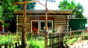 Go Glamping At Taos Goji Eco Lodge In New Mexico For The Perfect Getaway
