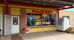 Valley Cafe Is Home To The Best Green Chile Cheeseburger In New Mexico
