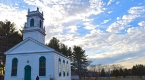 The Newington Meeting House Dates Back To 1717, Making It The Oldest Church In New Hampshire