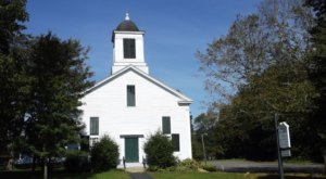 The First Congregational Church Is The Oldest In Maine, Dating Back To The 1700s