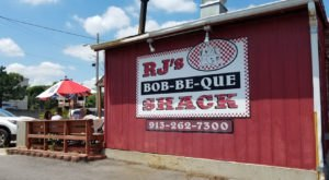 Ribs Reign King On The Menu At RJ's Bob-Be-Que In Kansas