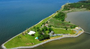 Visit Black Walnut Point Inn, A Beautiful Island Bed And Breakfast In Maryland