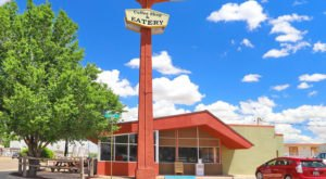 Enjoy Nostalgia At Kix On 66, A Classic Diner In New Mexico