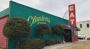The Famous Chicken Fried Steak At Clanton's Cafe In Oklahoma Is From An 80-Year-Old Recipe