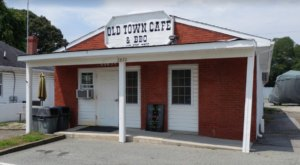 BBQ Fans Will Love Old Town Cafe & BBQ, A Teeny Eatery In Maryland