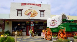 Visit Rock Springs Cafe, The Small Town Burger Joint In Arizona That's Been Around Since 1918