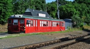 Eat Pizza In A Converted Subway Car At Trackside Pizza In Connecticut