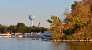8 Things To Do In The Iowa Great Lakes Region This Fall