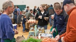 The Old Trail Schoolhouse Has The Best Wintertime Market Near Cleveland