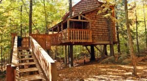 Experience The Fall Colors Like Never Before With A Stay At The Tiffany Hill Treehouse In New Hampshire