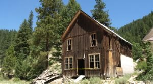 Rocky Bar Is An Idaho Ghost Town That's Perfect For An Autumn Day Trip