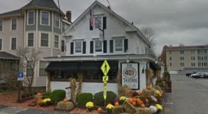 The 401 Tavern Has A Beautiful Wine Loft In New Hampshire That's A Great Place To Unwind