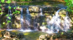 The Roark Creek Waterfall Trail In Missouri Will Lead You Straight To A Magnificent Waterfall