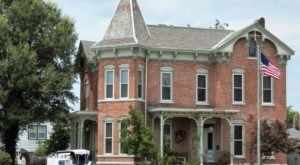 Only The Bravest Will Ghost Hunt At Riverview Mansion, A Historic Bed & Breakfast In Illinois From 1889