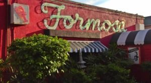 Dine Inside An Historic Red Trolley Car From 1904 At Formosa Cafe, An Iconic Southern California Eatery
