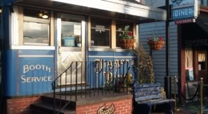 Jigger's Diner Has Been Serving Up Delicious Breakfast In Rhode Island Since 1928