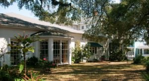Visit The Carriage House Restaurant In Mississippi For A Delicious Southern Meal At A National Historic Landmark