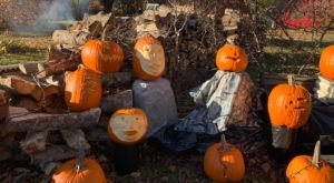There's No Other Trail In New Hampshire Like The Pumpkin People Tour In Jackson