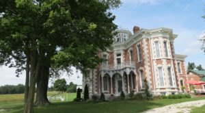 Step Into Victorian Luxury At Guthrie Meadows, A Mansion-Style Bed & Breakfast In Indiana