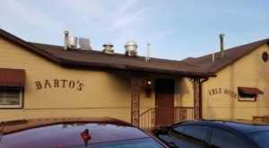 The Beloved Fried Chicken At Barto's Idle Hour In Kansas Is A Classic To Try Anytime