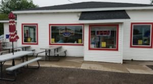 Impress Your Tastebuds When You Feast On The Best Tenderloin In Iowa At Goldie's Ice Cream Shoppe