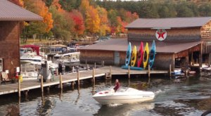 Walter's Basin Restaurant In New Hampshire Is Surrounded By The Most Breathtaking Fall Colors