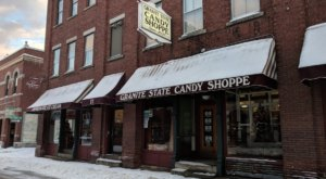 New Hampshire's Oldest Candy Shoppe, Granite State Candy, Has Been Around Since 1927 And It's Not Hard To See Why