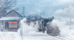 Hop Aboard The Santa Express Steam Train In Pennsylvania For A Dose Of Holiday Magic