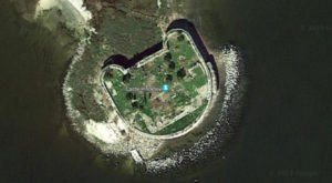 South Carolina's Hello Kitty Abandoned Fort, Castle Pinckney, Has An Intriguing History