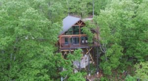 Retreat To The Treetops At The Secluded Foxfire Cabin In Arkansas