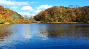 Discover An Enchanting Pumpkin Sail At Echo Lake Park In New Jersey