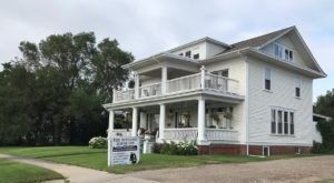 The Colonial Hitching Horse Bed And Breakfast In South Dakota Only Gets Better With Age